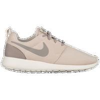 size 40 b861e 855fc Nike Roshe   Foot Locker