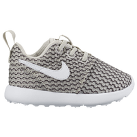 new style 0a46e 1c38e Kids  Nike Roshe   Foot Locker