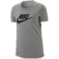 a546b419a25fb Women's Nike T-Shirts | Foot Locker